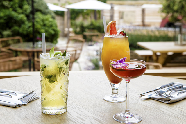 Cocktails in Stow-on-the-Wold, The Old Stocks Inn, Cotswolds